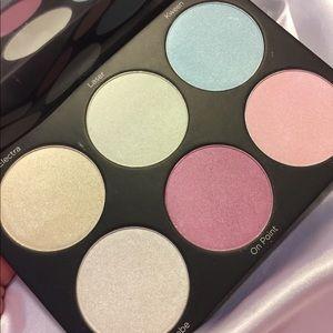 🦋New Boxed BH Cosmetics Backlight Highlight